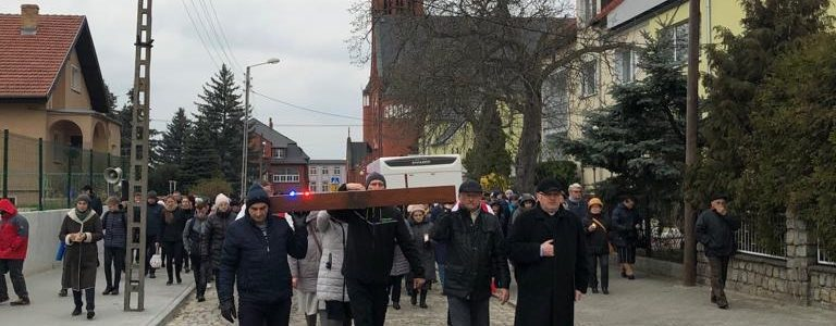 Droga Krzyżowa ulicami parafii 2019